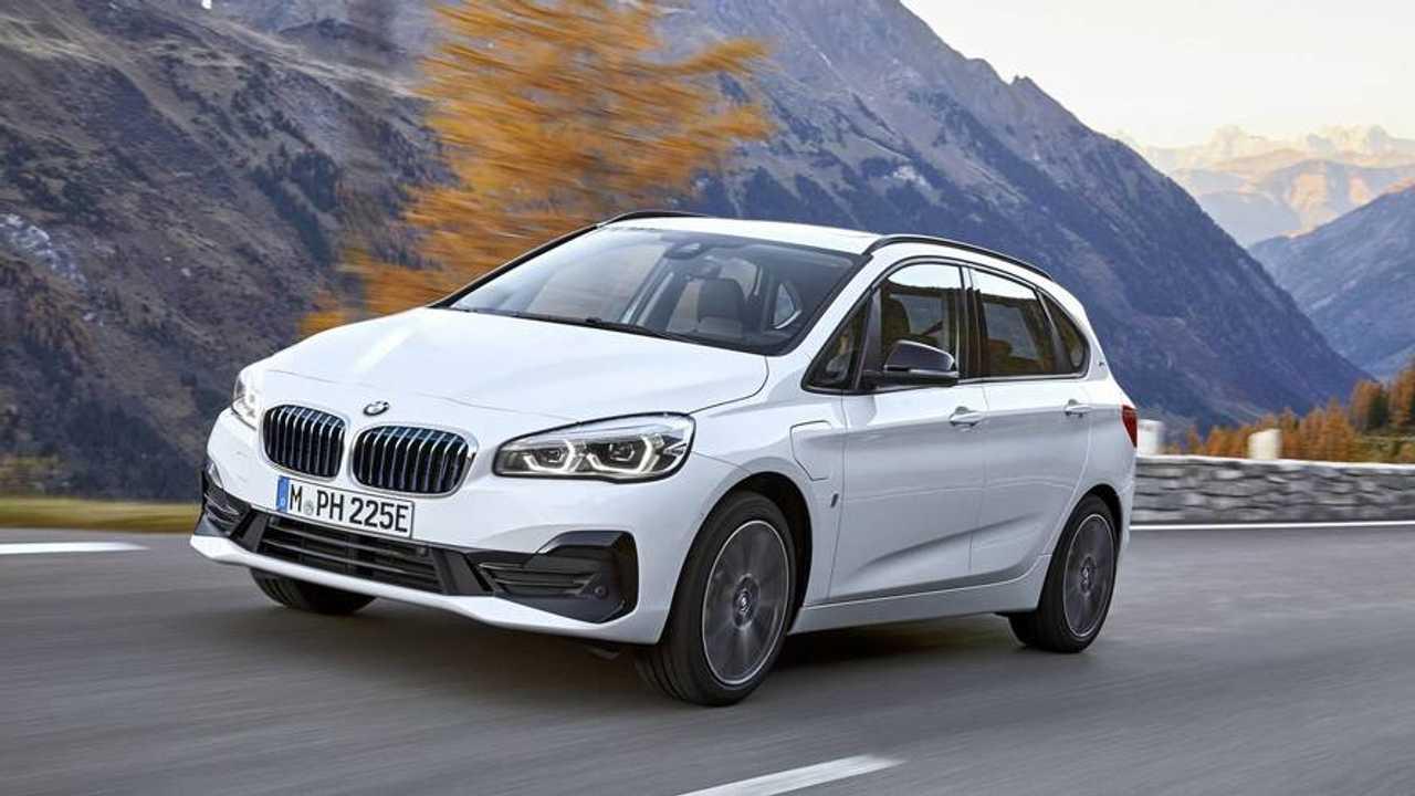 Фейслифтинг BMW 2 серии Active Tourer 2018 года