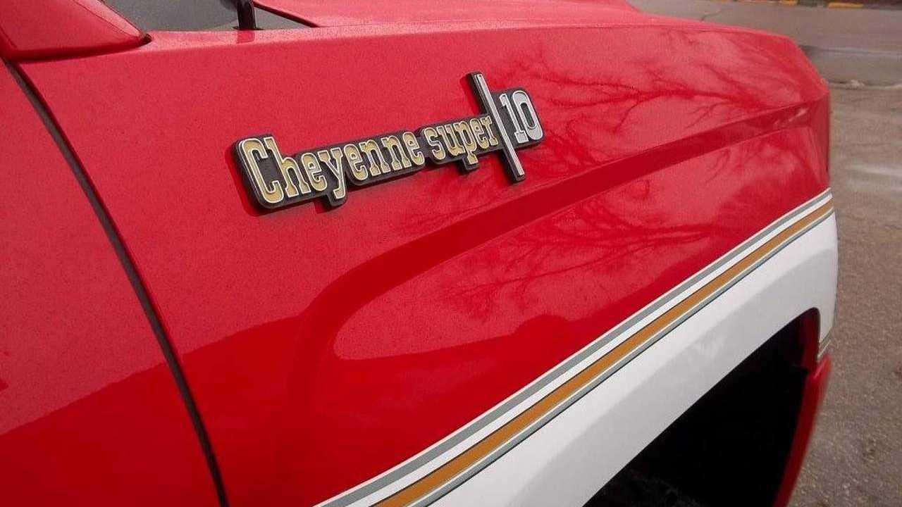 This Retro Cheyenne Conversion Of A Modern Silverado Is Awesome