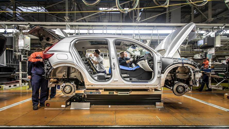 China banirá produção de 553 modelos por alto consumo de combustível