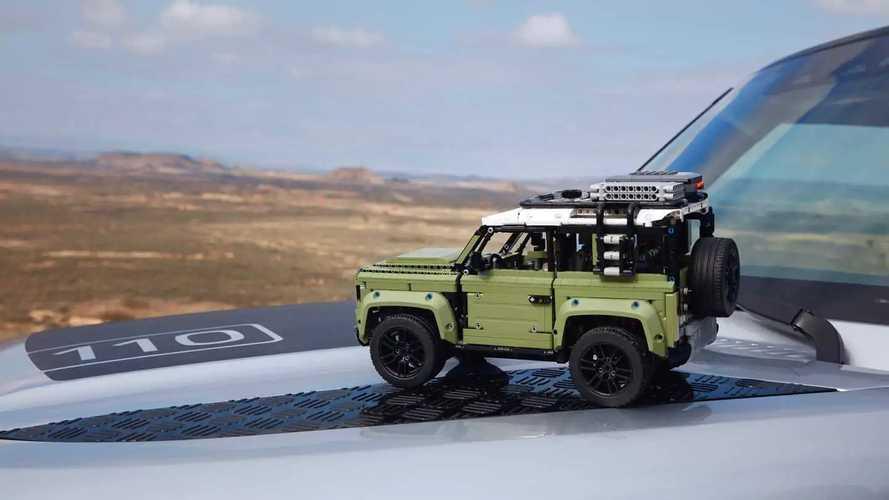 Land Rover Defender 2020 por Lego Technic