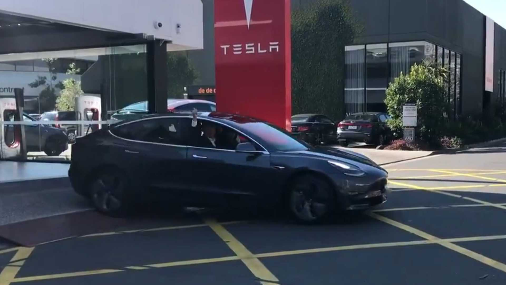 Tesla Begins Deliveries Of Model 3 In Australia (w/Videos)