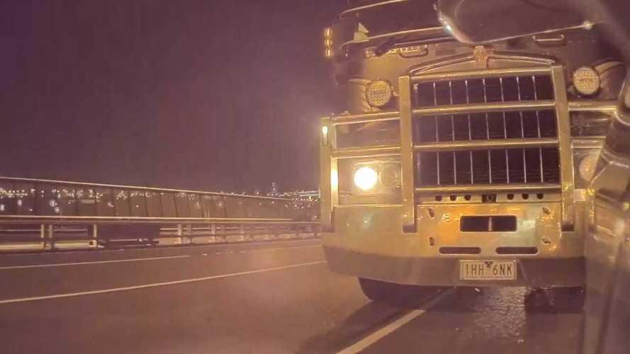 Australian TeslaCam Premieres With A Truck Crash On Westgate Bridge