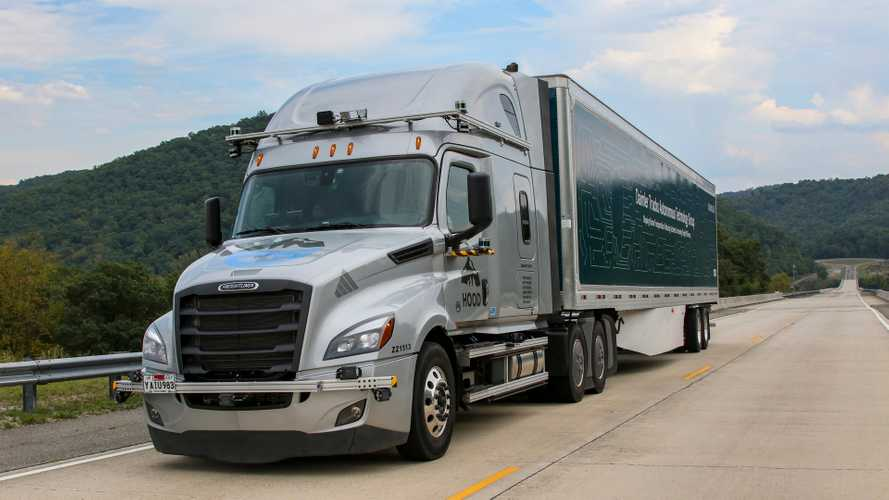 Guida autonoma, i camion Daimler la provano su strade aperte