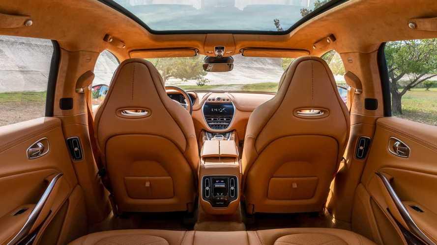 Aston Martin svela glI interni della DBX