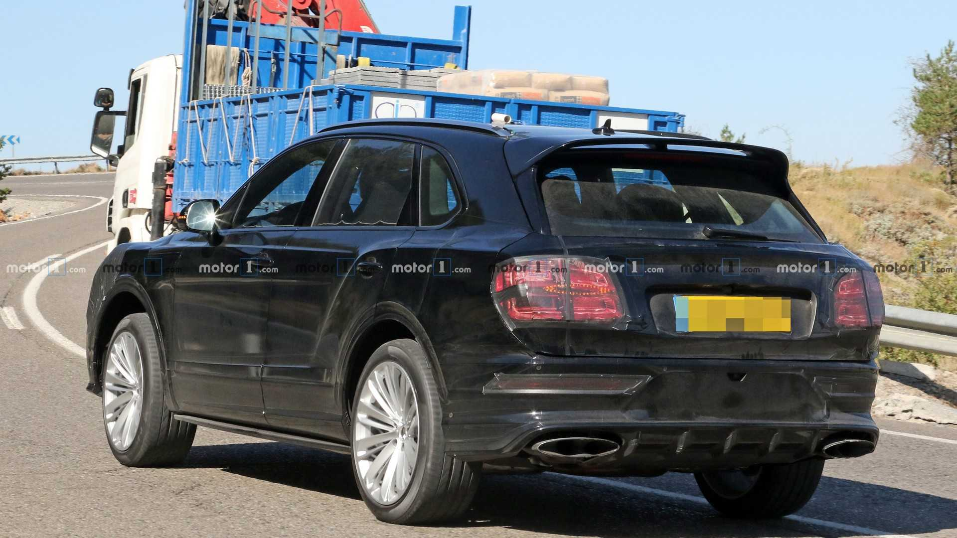 2015 - [Bentley] Bentayga - Page 12 Bentley-bentayga-facelift-new-spy-photo