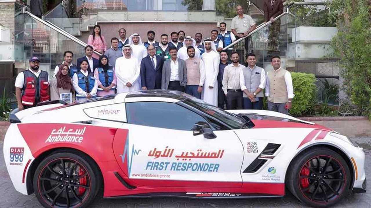 Chevrolet Corvette y Nissan GT-R, ambulancias de Dubái