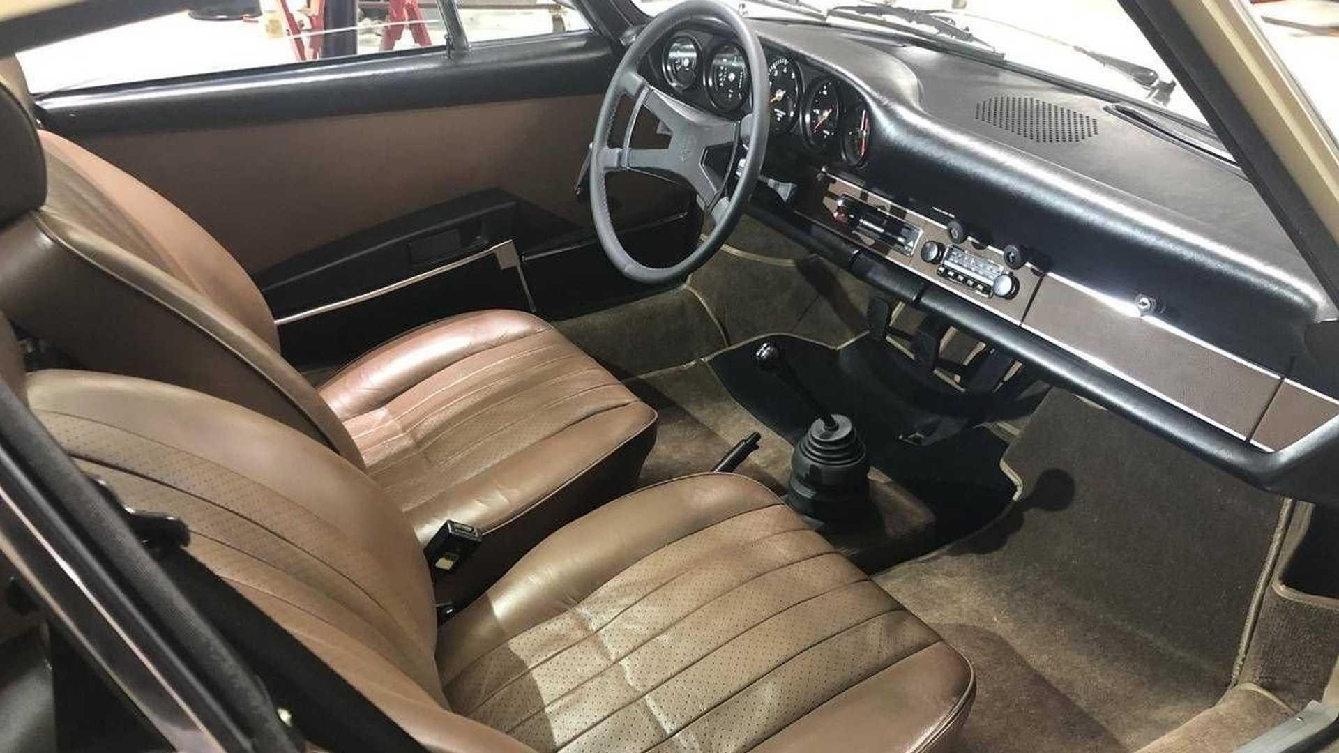 """[""""Nab This Beautiful 1973 Porsche 911S Barn Find""""]"""