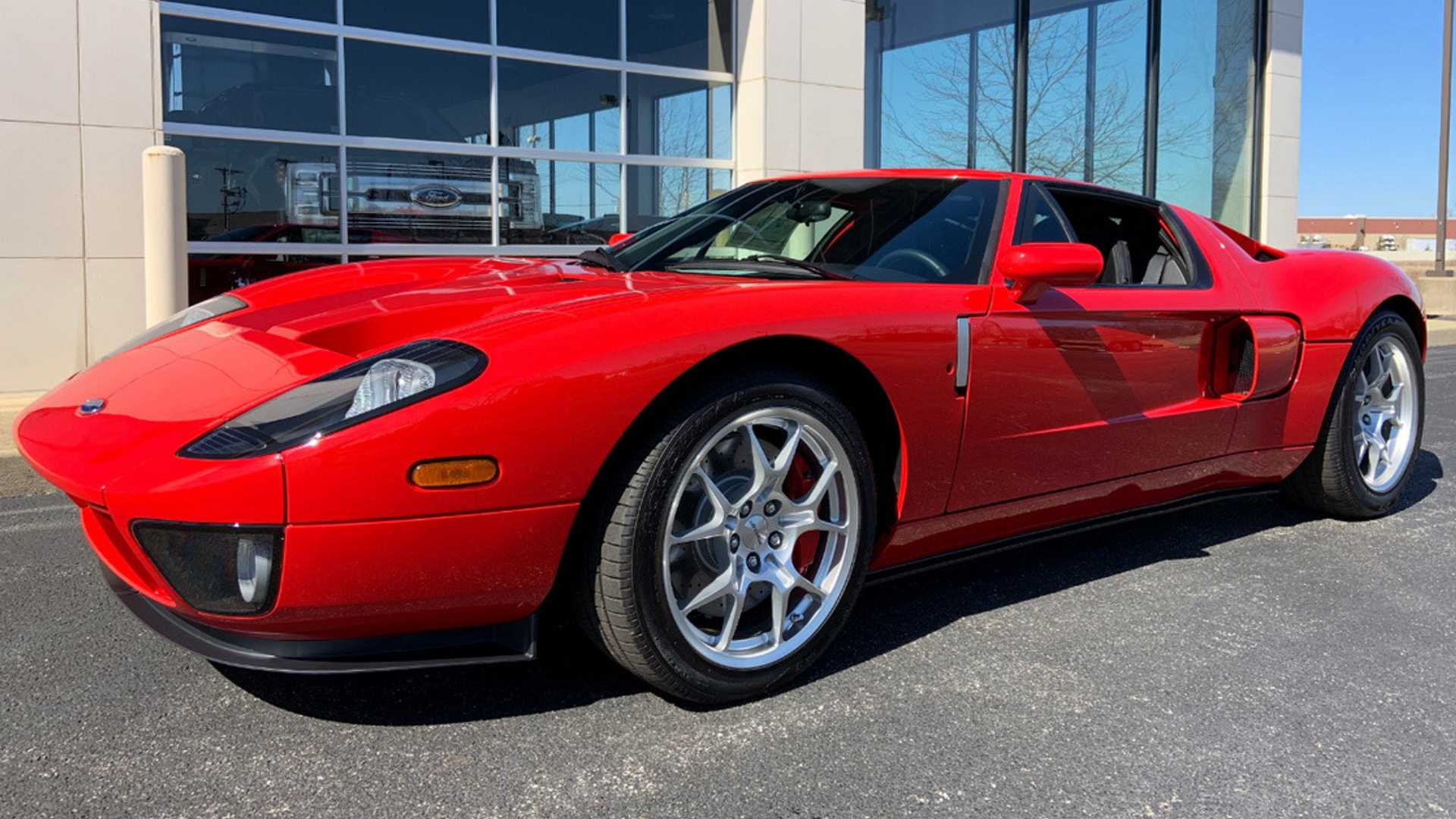 "[""2006 Ford GT Is A Legend Reborn""]"