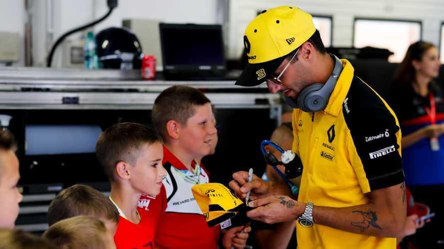 F1: l'aneddoto sull'ultimo tatuaggio di Ricciardo e... sua madre!