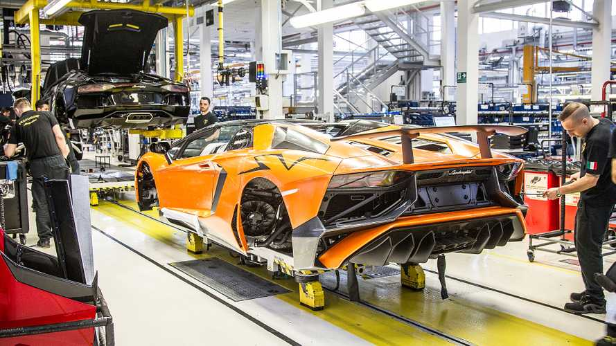 Lamborghini Aventador, linea di produzione