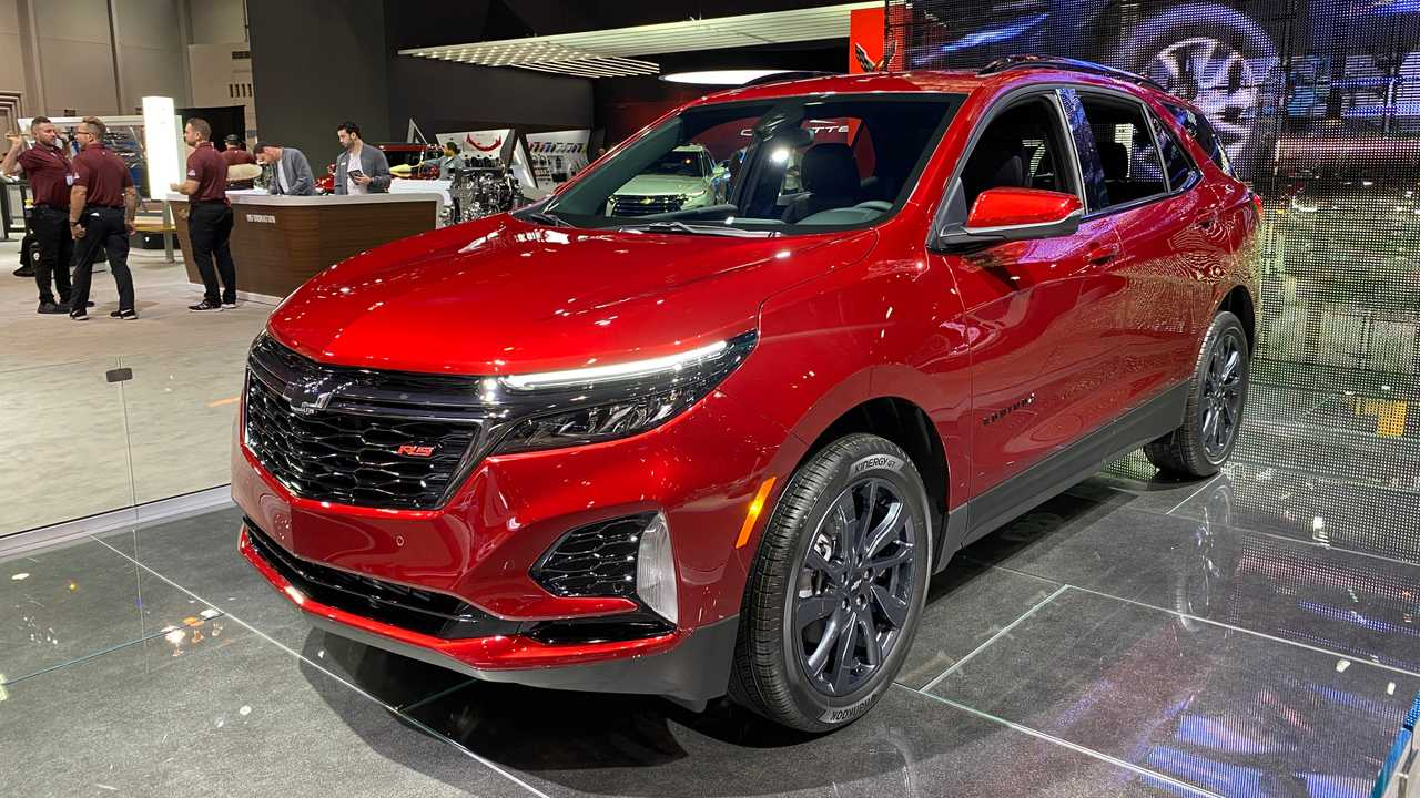 2021 chevy equinox is losing its more powerful engine report