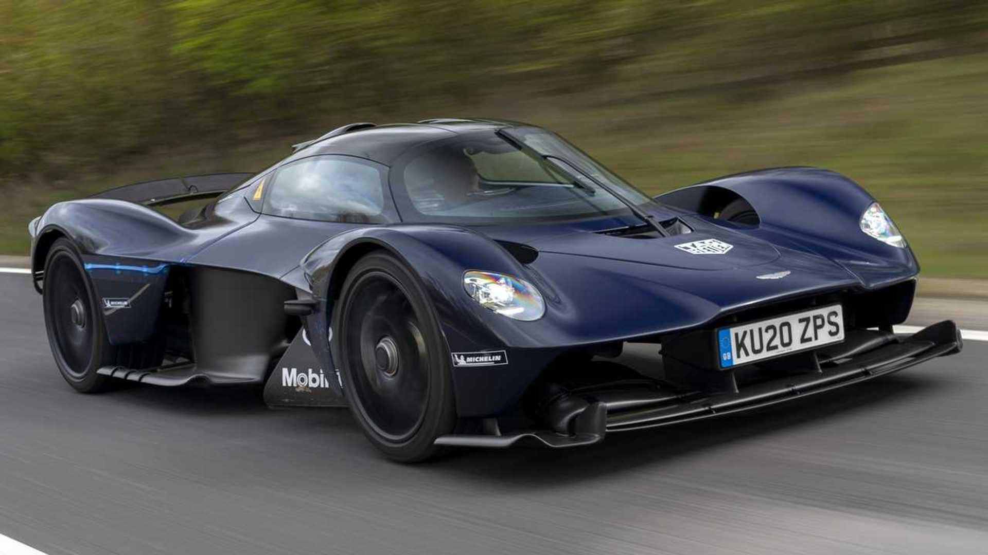 Aston Martin Valkyrie Testet Erstmals Auf öffentlichen Straßen
