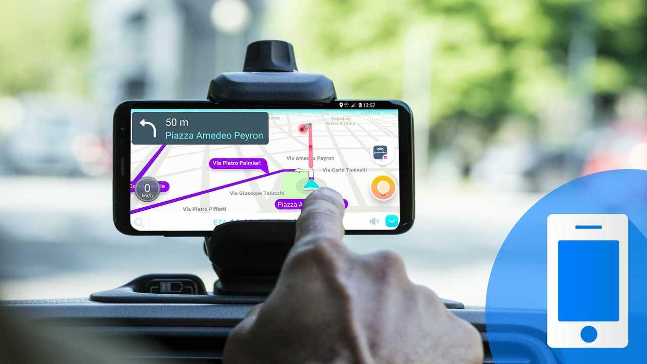 copertina tecnologia supporto smartphone per auto
