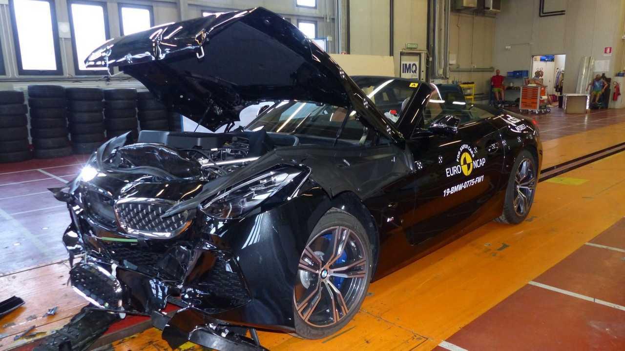 2 место - BMW Z4