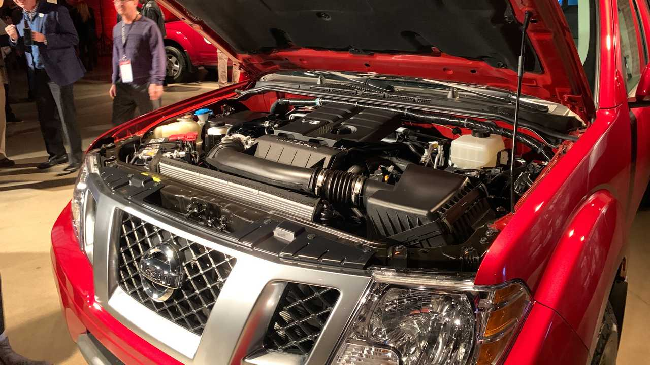 2020 Nissan Frontier Gets New Engine Same Looks