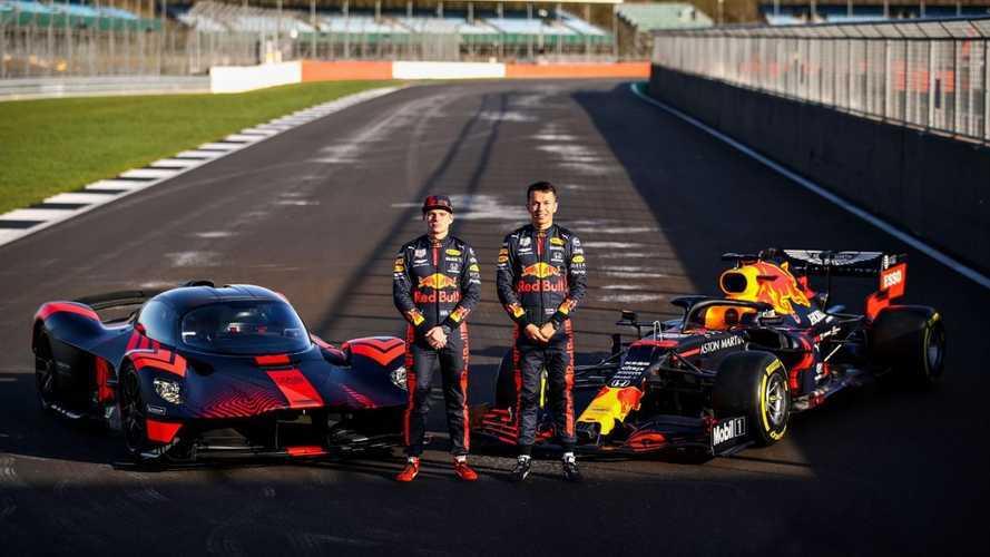 Verstappen és Albon pályára vitte az Aston Martin szörnyetegét