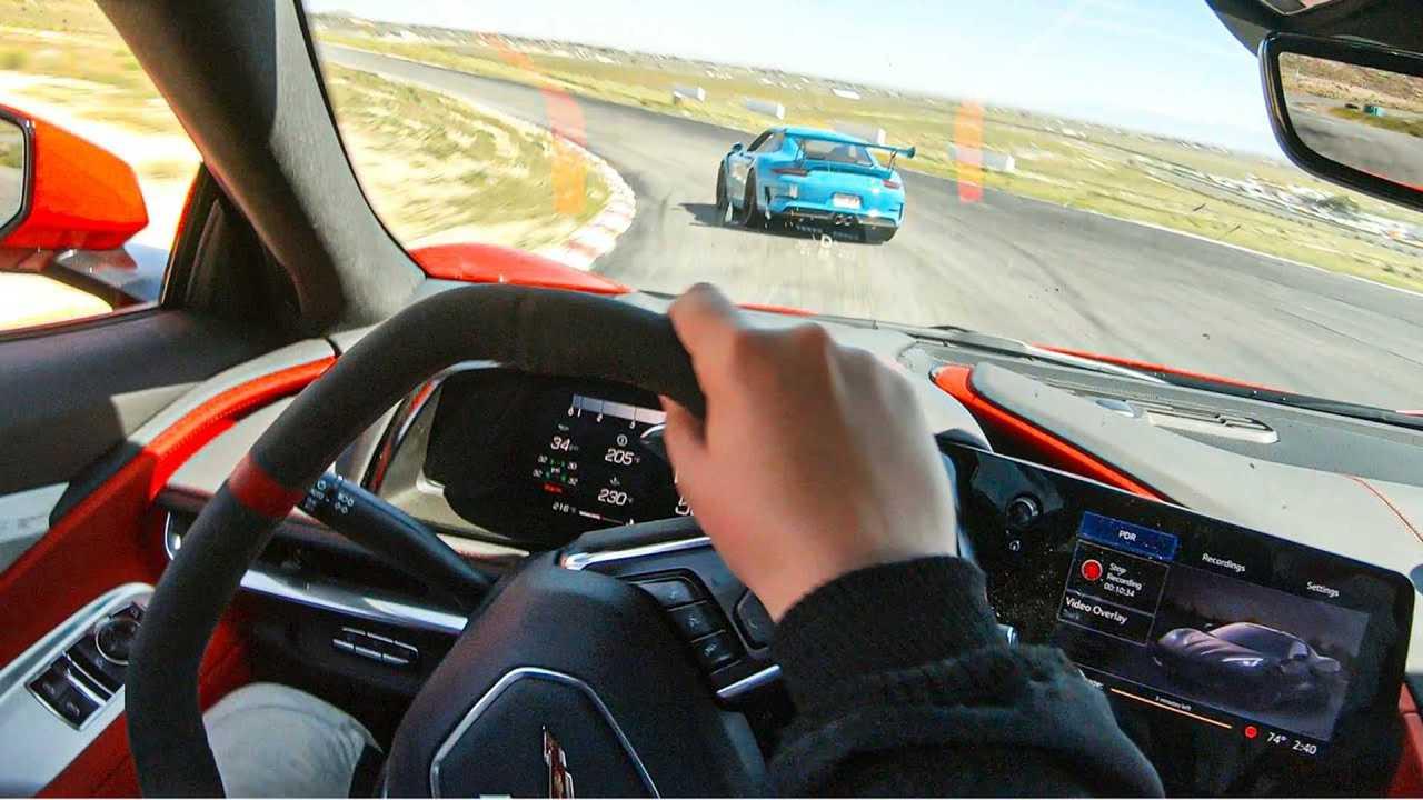 Vea el Corvette C8 2020 resistir contra el 911 GT3 RS en marcha 68