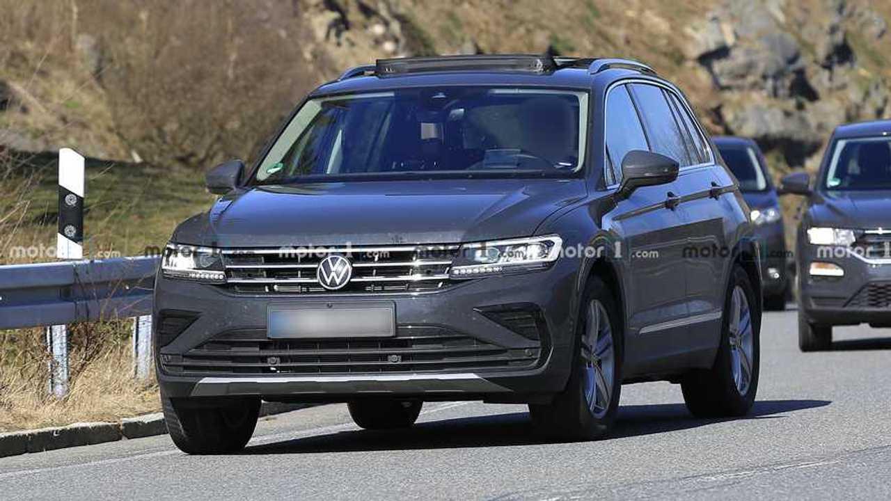 Volkswagen Tiguan Facelift Spy Photo