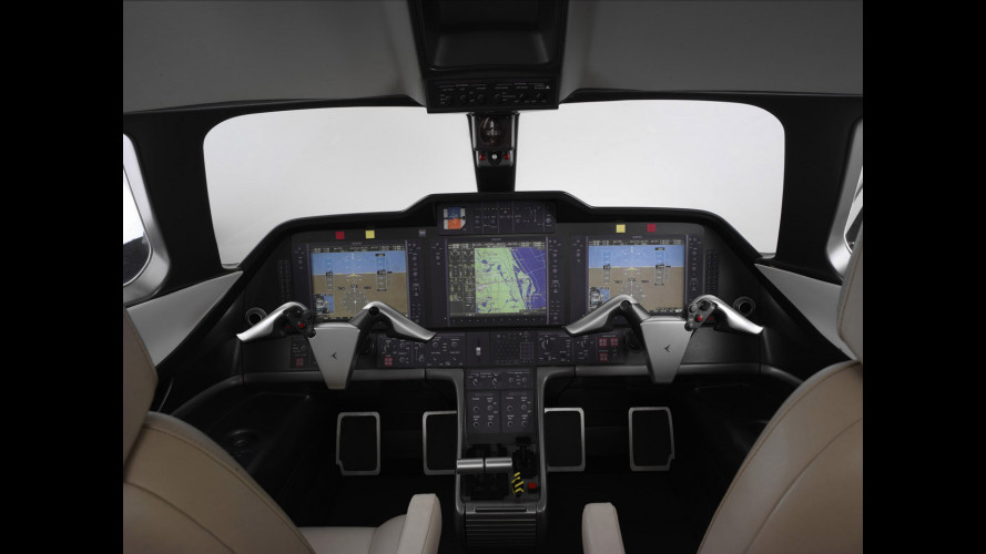 Embraer Phenom cockpit by BMW