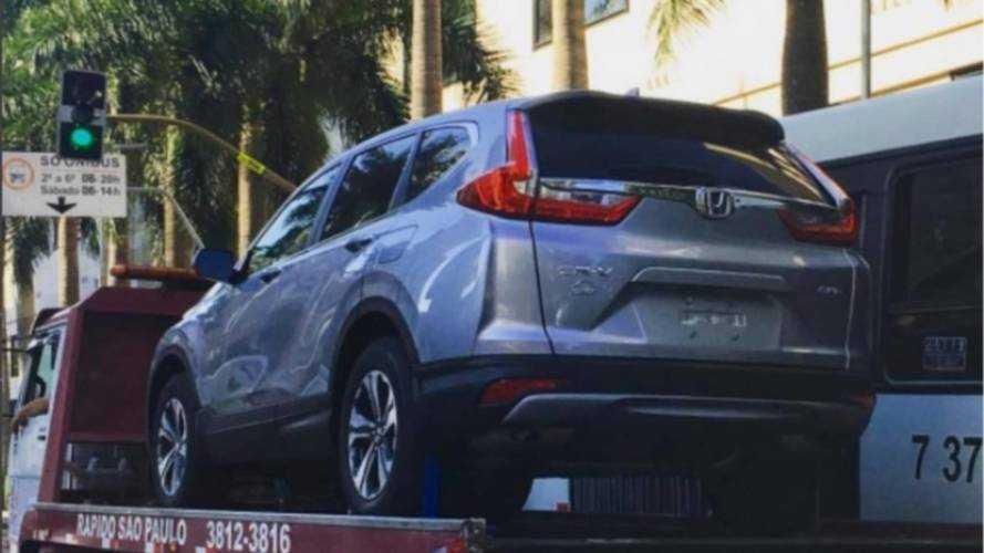Flagra - Novo Honda CR-V aparece limpo no Brasil