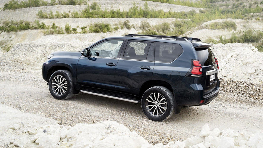2018 Toyota Land Cruiser Euro official images