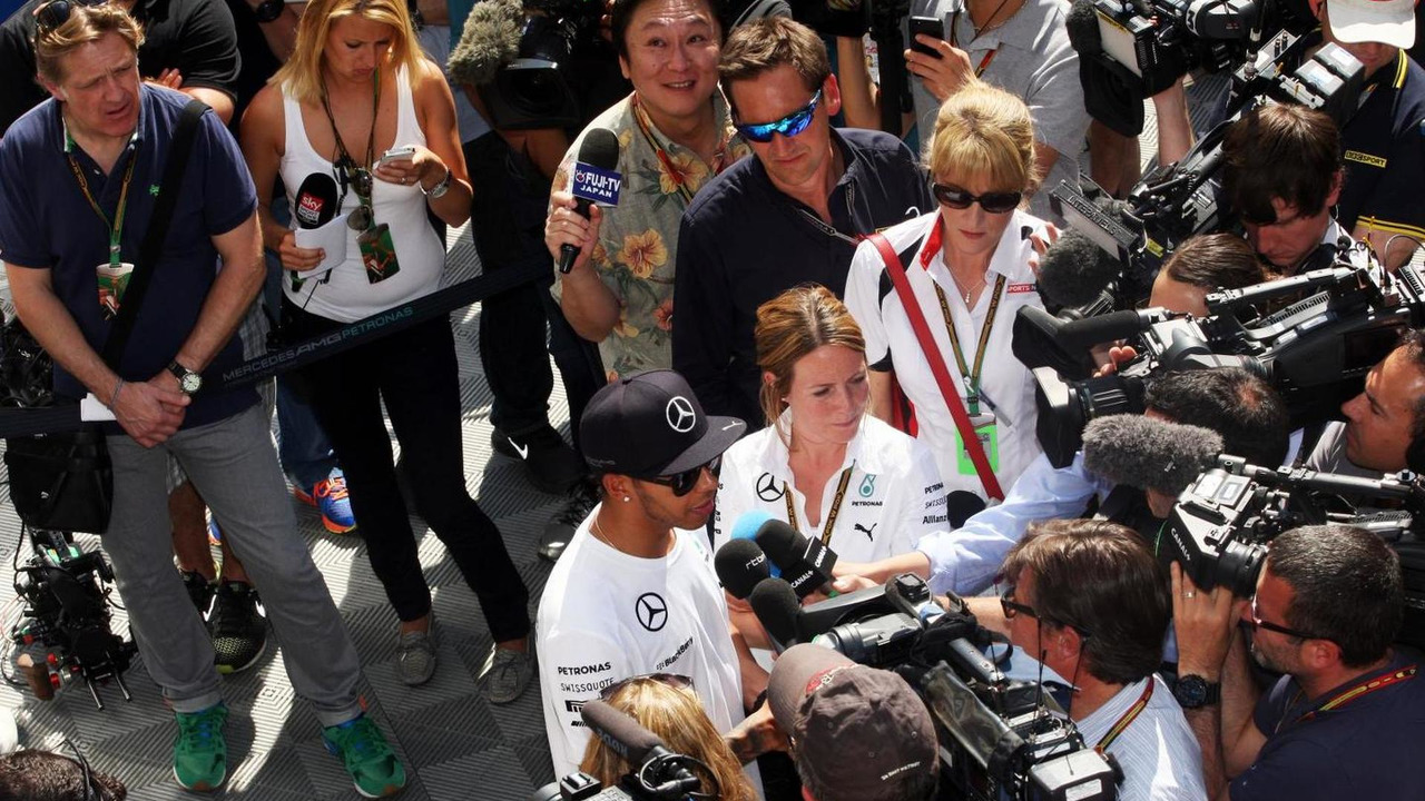 Lewis Hamilton (GBR) with the media, 08.05.2014, Spanish Grand Prix, Barcelona / XPB