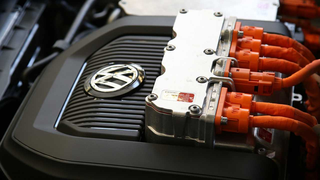 Production VW e-Golf engine electronics