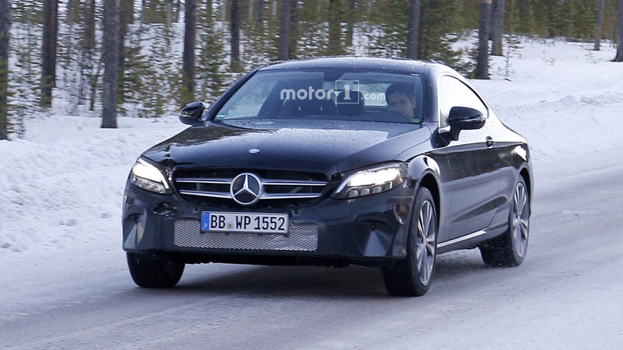 Mercedes Classe C Coupé restylée en photos espion