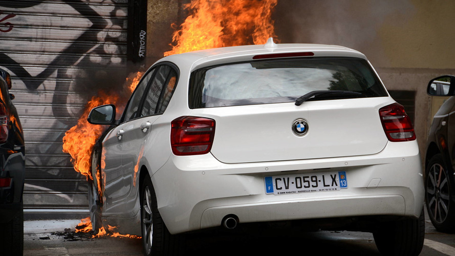 Almost 1,000 cars set on fire on New Year's Eve in France
