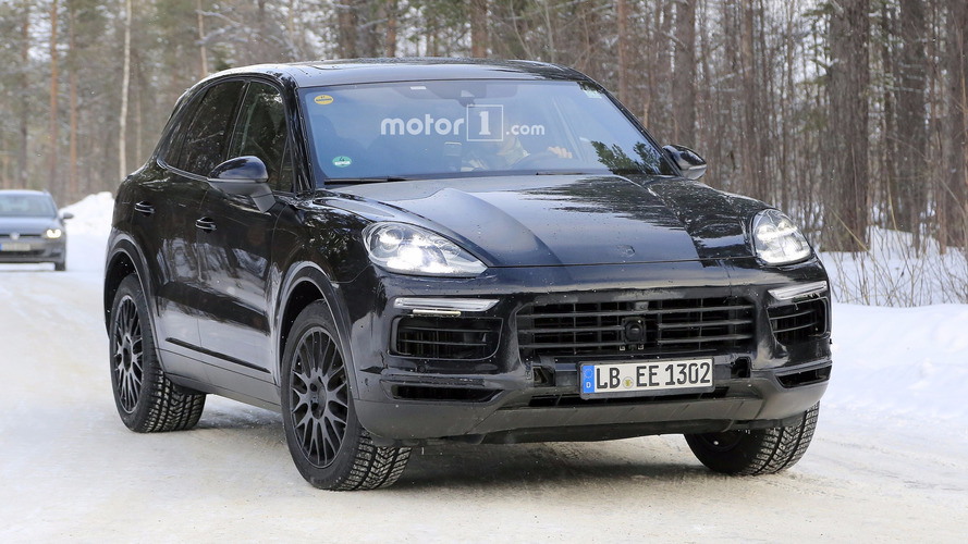 2018 Porsche Cayenne spy photos