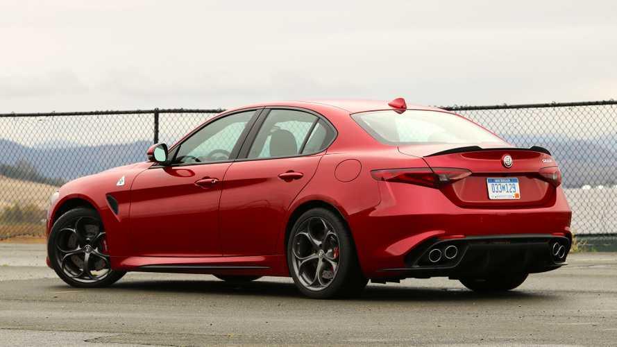 Alfa Romeo Giulia Sprint Cenevre'ye mi geliyor?