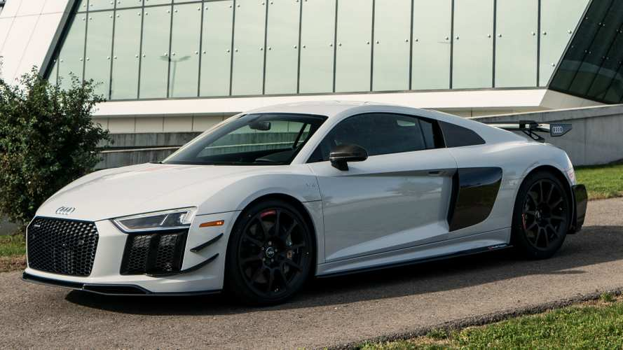Audi R8 V10 Plus Competition ekstra downforce ile geldi