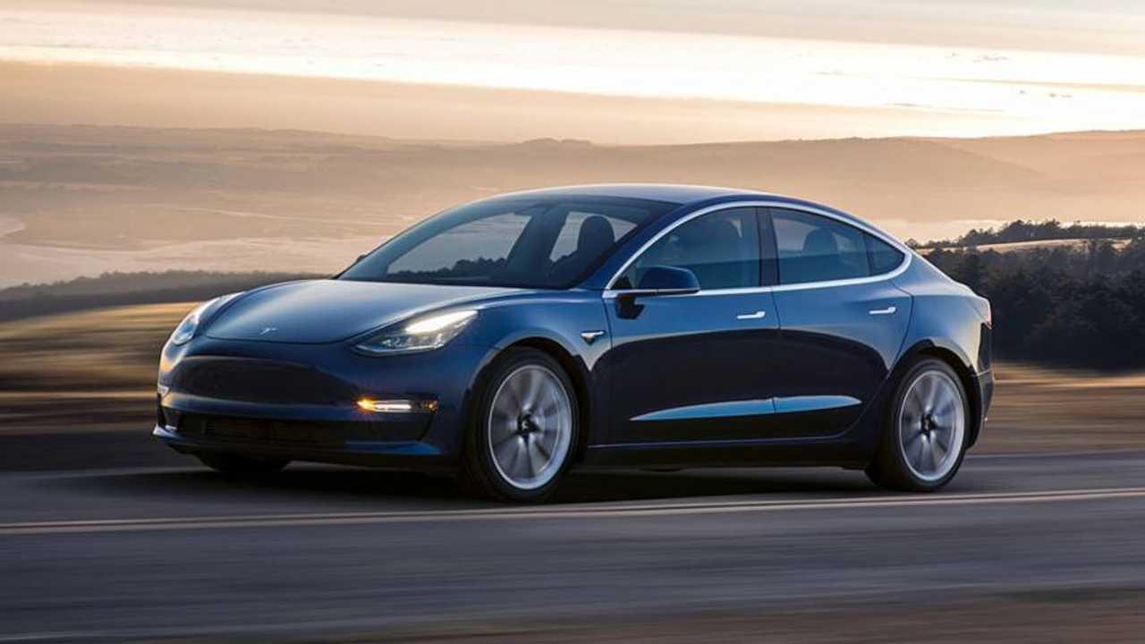 2. Tesla Model 3: 500 km