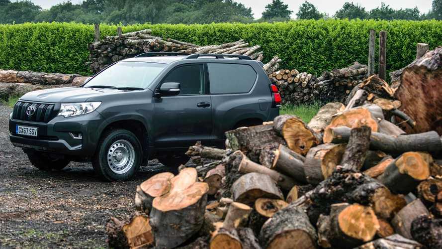 Toyota Land Cruiser превратился в двухместный фургон