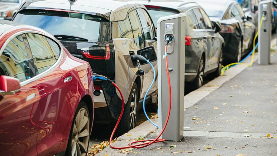 Average of 55 cars per on-street charger across UK, study reveals
