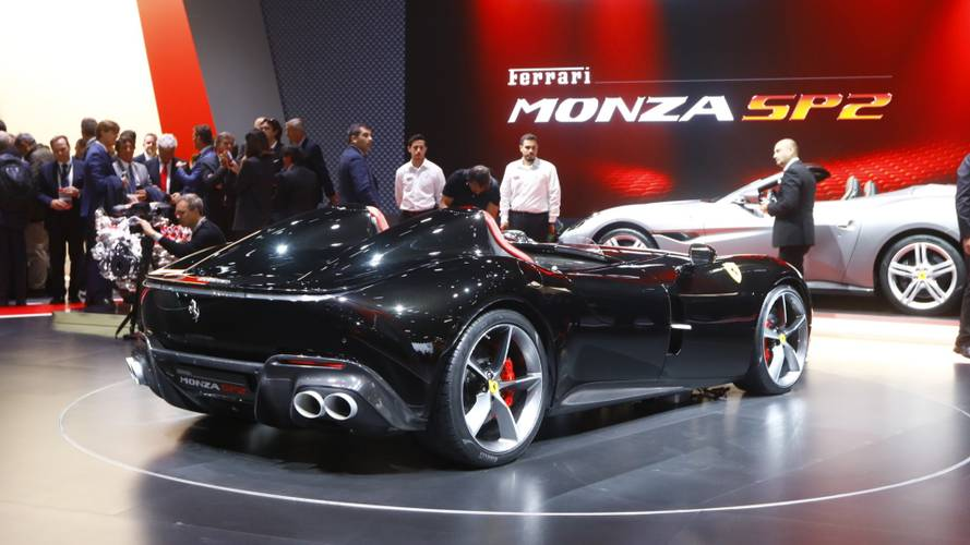 Ferrari Monza SP1 ve SP2 Speedster ikilisi Paris'te