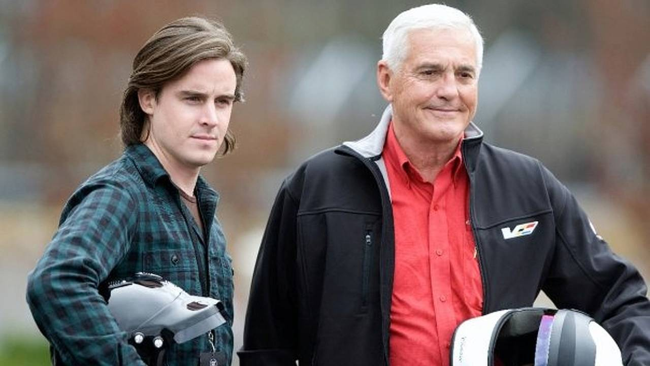 Bob Lutz backs electric scooters