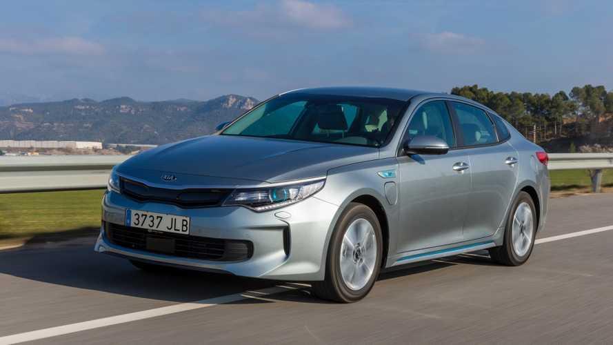 Euro-spec Kia Optima Plug-in Hybrid bound for Geneva