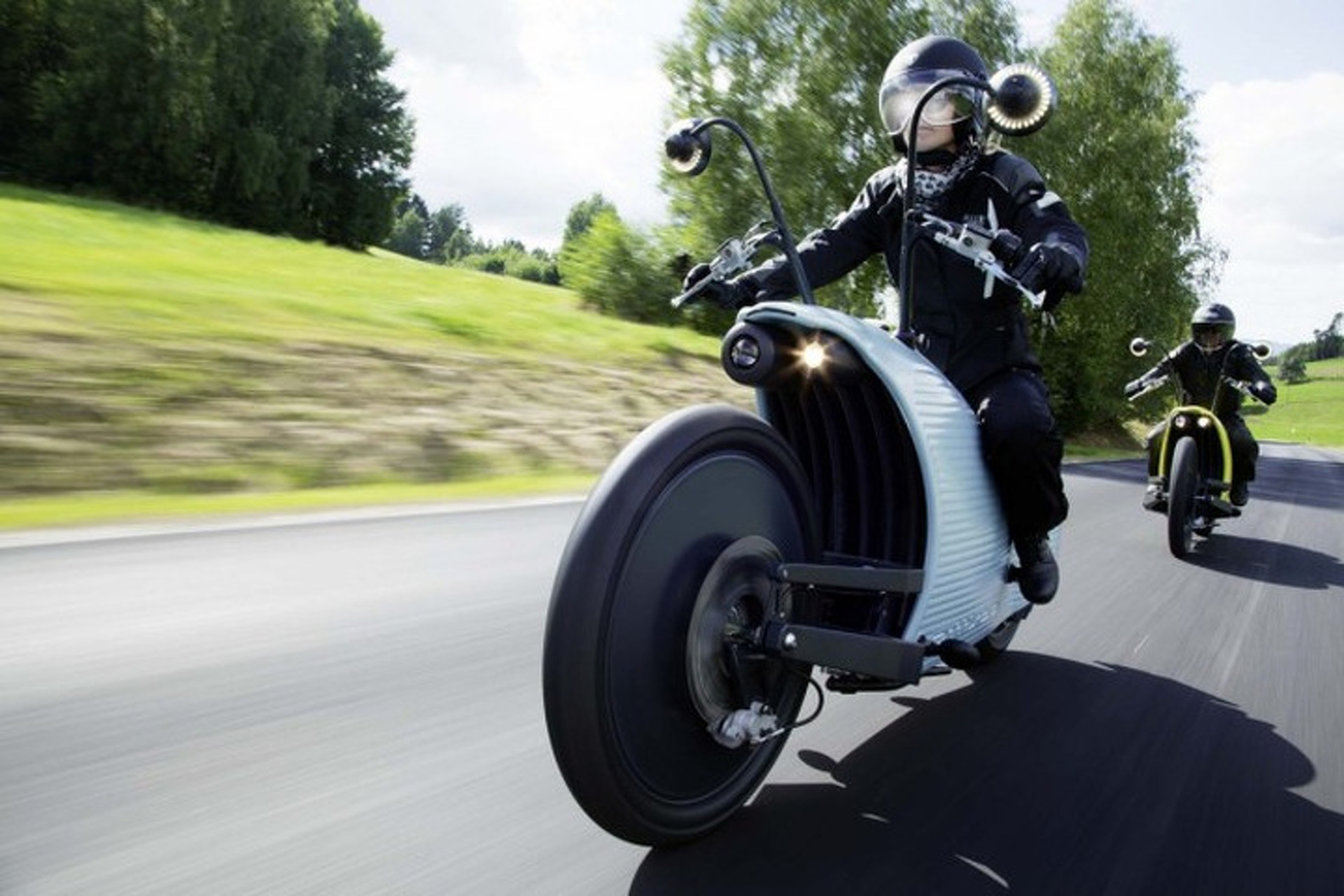 Johammer J1 Electric Motorcycle is a Wildly Futuristic Way to Ride