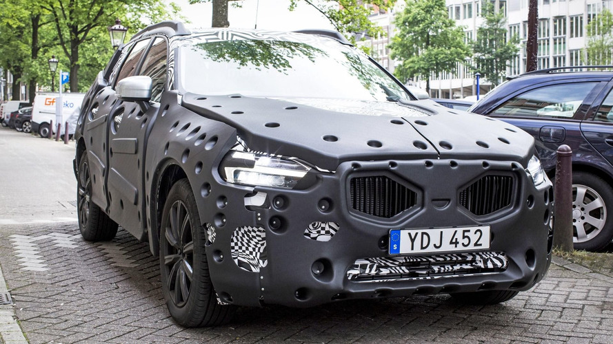 2018 Volvo XC60 spy photos