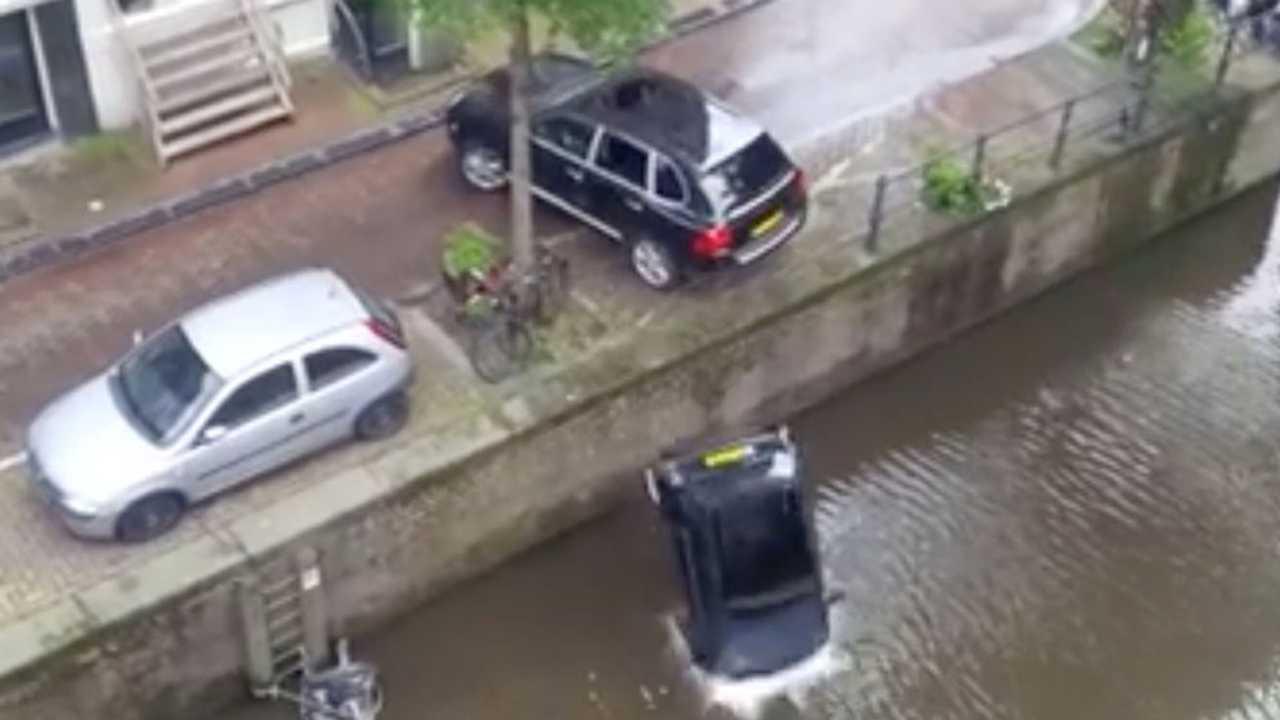 Porsche Cayenne stunt