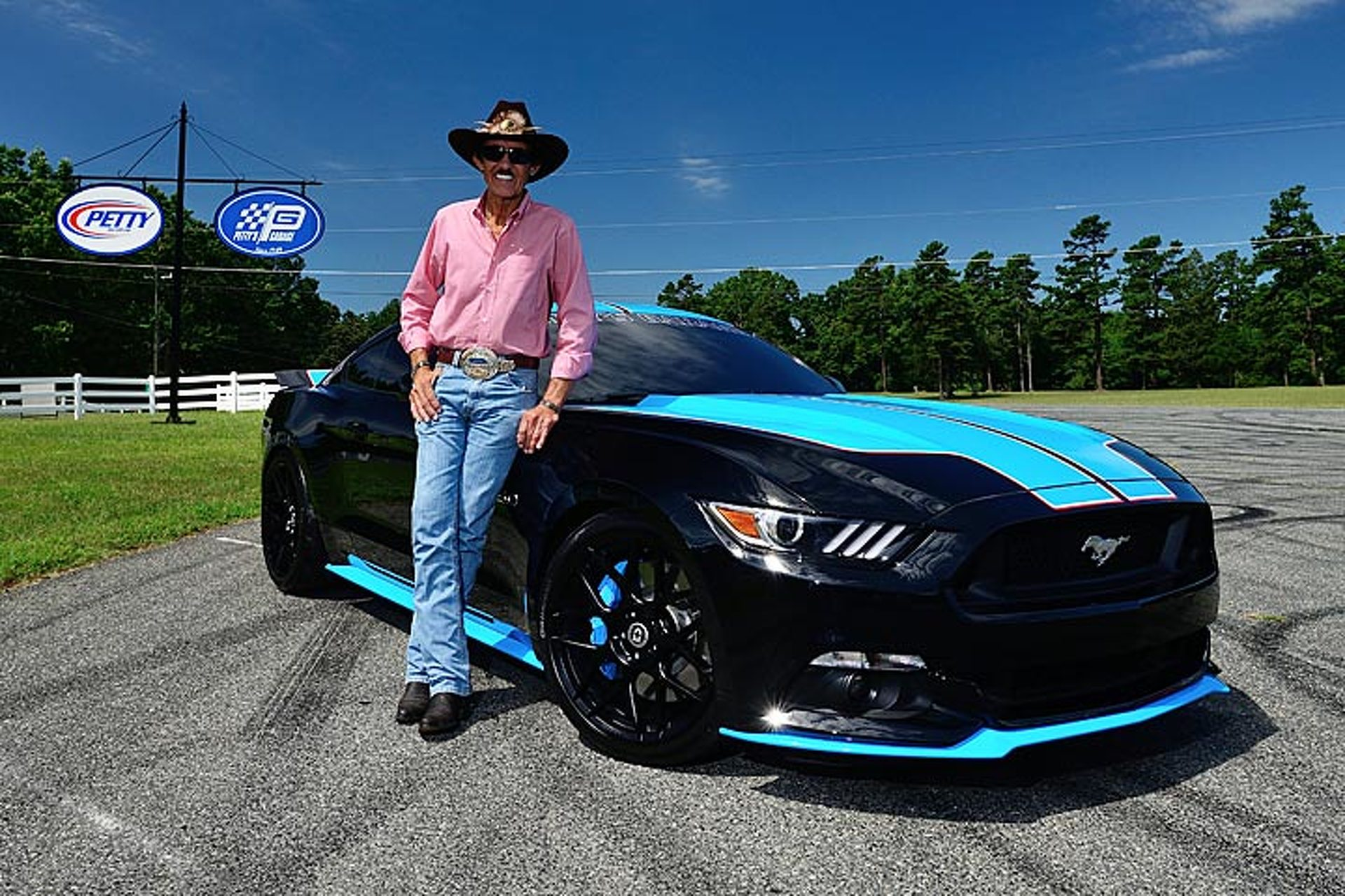 Richard Petty Mustang >> This Richard Petty Ford Mustang Sold Twice For 535 000 At Auction