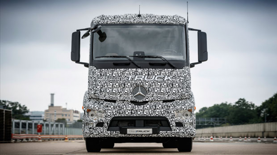Mercedes pesenta il camion ricaricabile