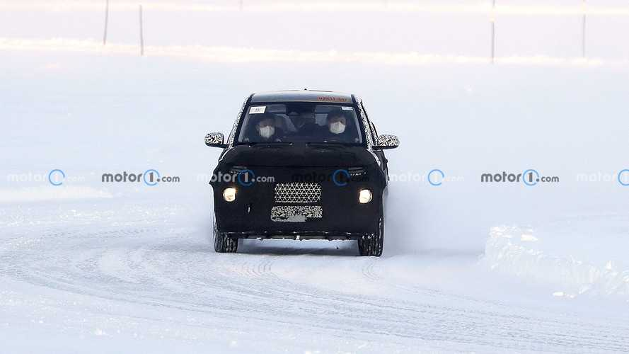 Hyundai, le foto spia del crossover da città