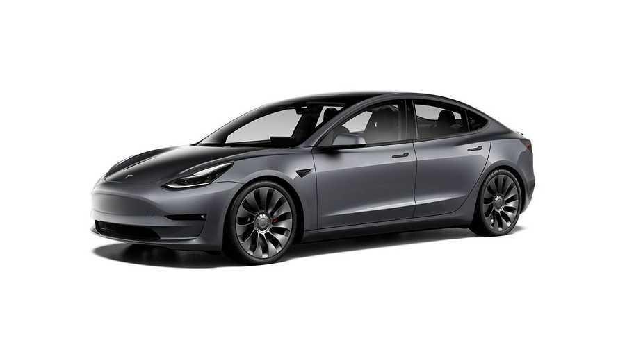 2021'in ilk çeyreğinde en çok satan premium sedan hangisiydi?
