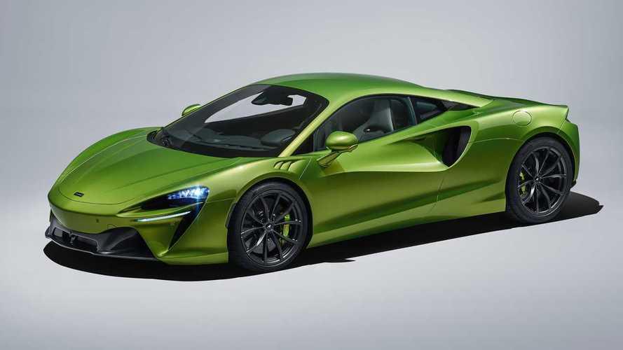McLaren'in yeni canavarı Artura resmen tanıtıldı