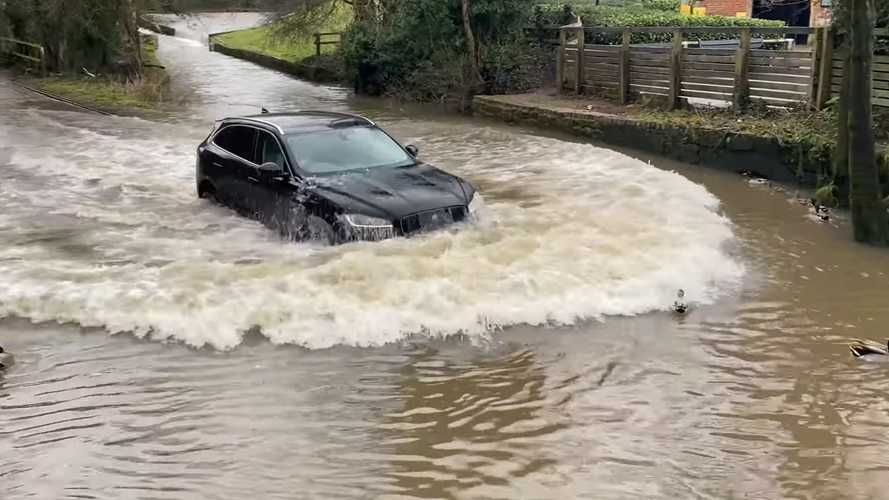 See Jaguar F-Pace Driver Inexplicably Plow Through Water In A Hurry