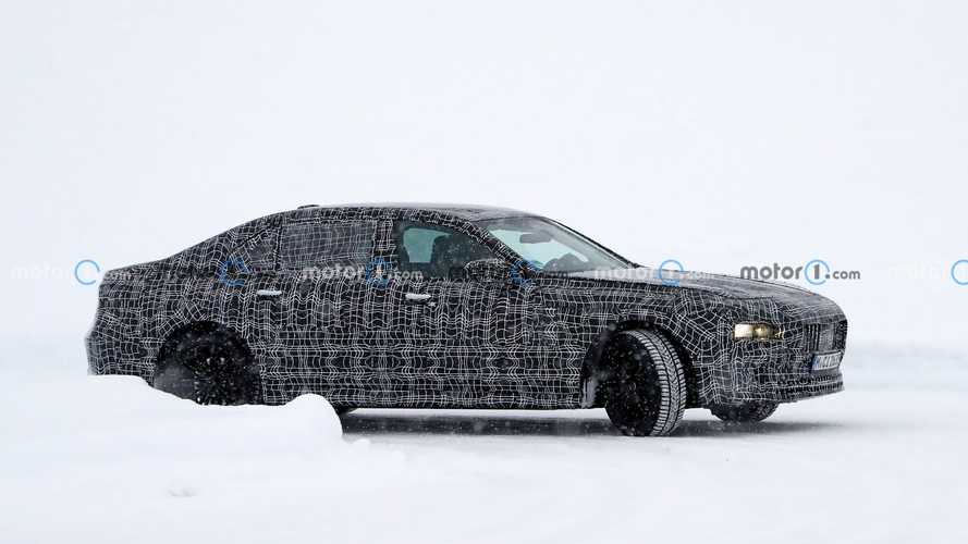 Next-Generation BMW 7 Series Spy Photos