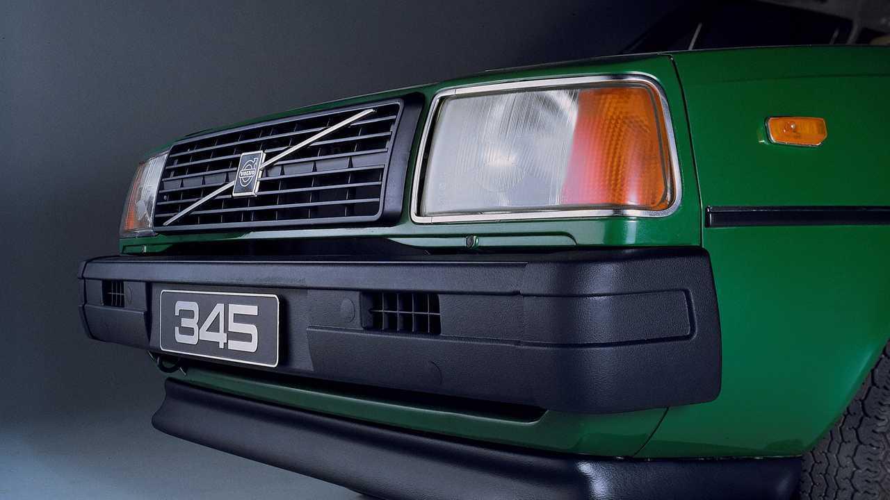Volvo 345 (1979)
