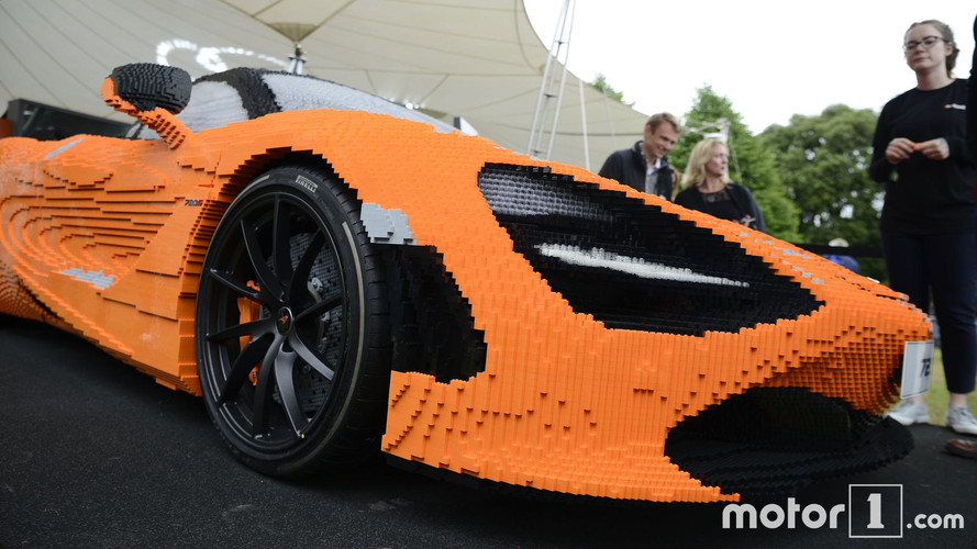 McLaren 720S de Lego con 280.000 piezas